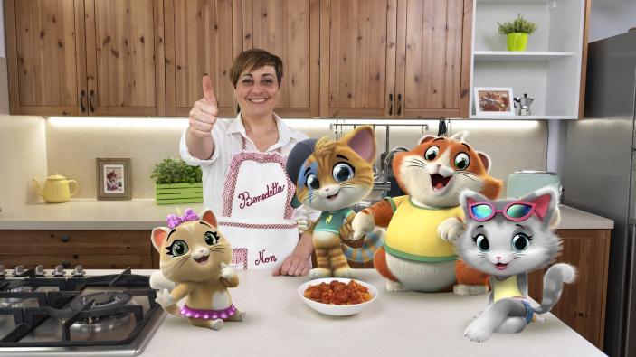 44 Gatti e Benedetta insieme in cucina
