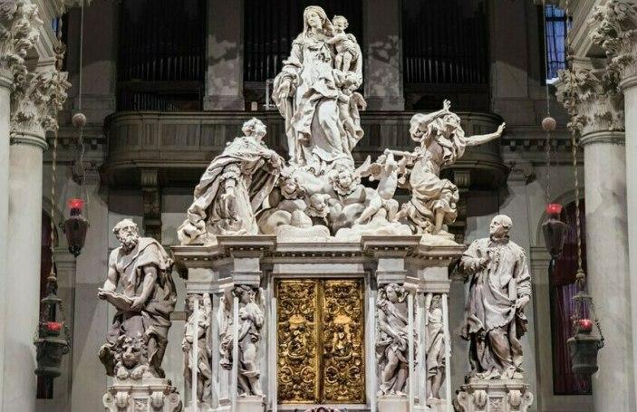 Venezia celebra la Festa della Salute