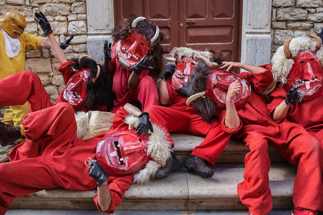 5 festività poco conosciute che fanno rabbrividire in Italia