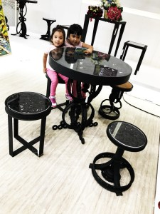Handcrafted METAL Round Table(Circle Decor), Circular Table, Home, Working, Living or Dining Room, 845-mm or 33-inches, Real Auto Parts
