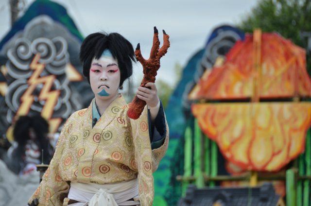 「戻橋」(写真:山あげ祭2011年7月23日泉町公演)