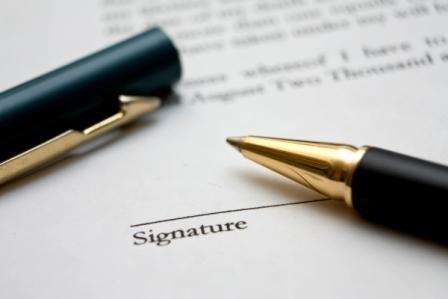 הגבלת פניה לערכאות משפטיות בעת עריכת הסכם גירושין בין מתגרשים
