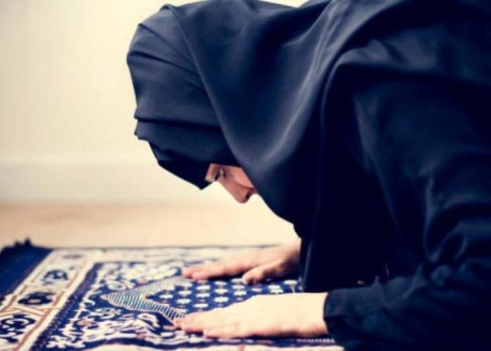 ماحكم قضاء الحائض للصلاة المتروكة؟ فتوي دار الافتاء