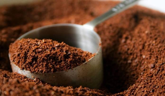 خلطات القهوة للشعر الجاف المتقصف