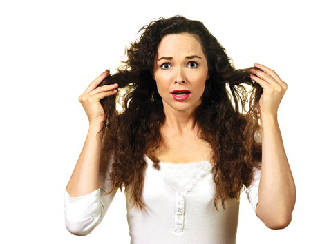 وصفة سحرية لفرد تموجات الشعر في ساعات