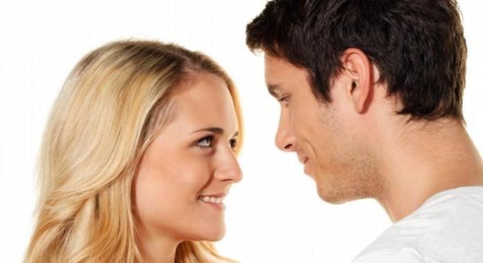 تصرفات غريبة يحبها الرجل في المرأة