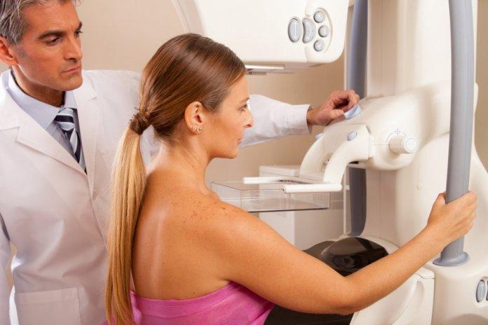 هل يجوز فحص الثدي أثناء الدورة الشهرية؟
