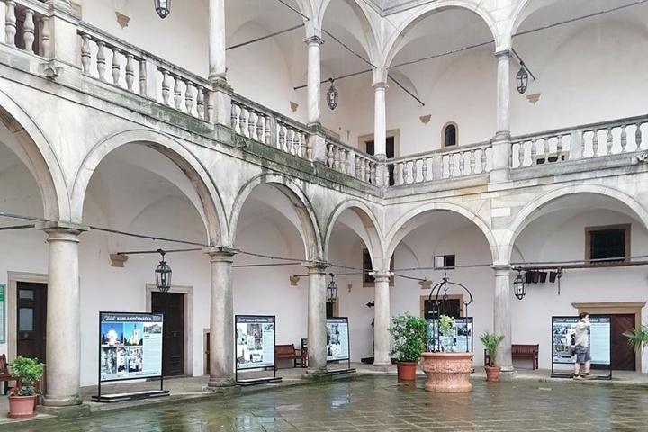 Venkovní výstava na státním zámku Opočno