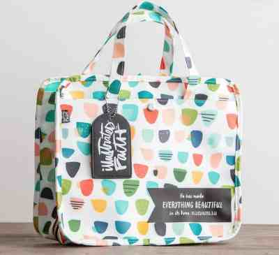 Illustrated Faith organizer bag at Dayspring; Ecclesiastes 3:11; 10 Gifts she'll love at karenehman.com.