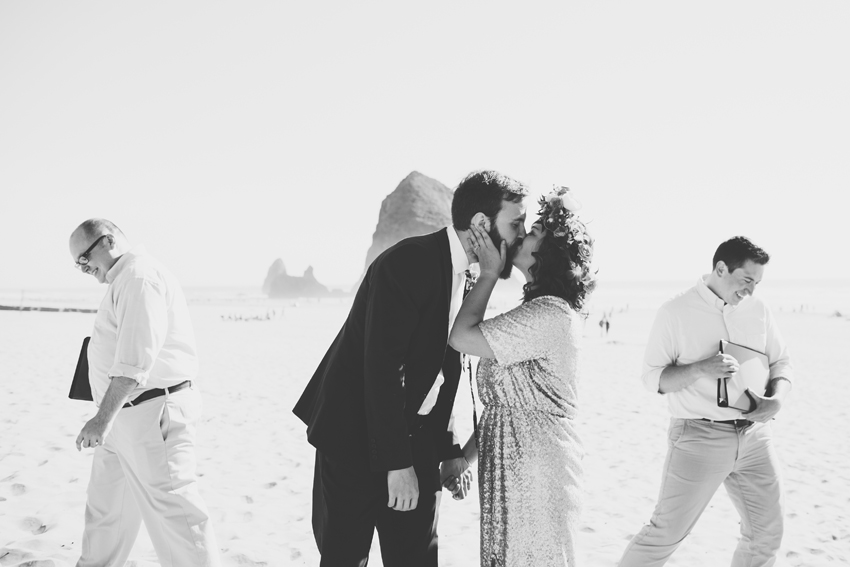 063_cannonbeachweddingphotographer