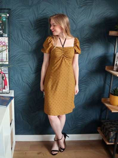 Mosterdkleurig jurkje