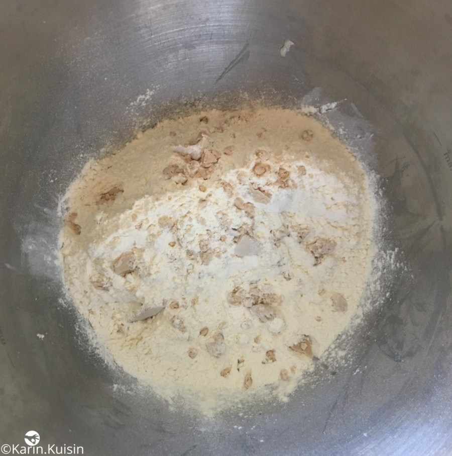 détrempe farine levure verser