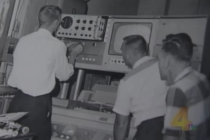 KARK engineers in the early days_-963824656490280927