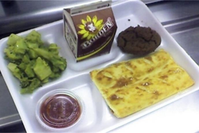 School lunch_-1133327438818097375