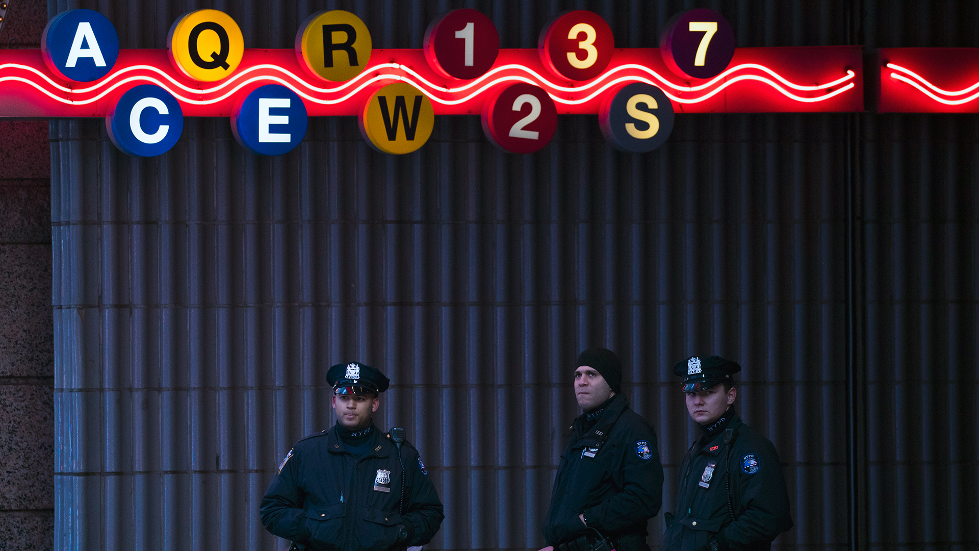 NYPD officers at closed subway station after explosion-159532.jpg86701559
