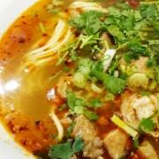 香辣肥肠拉麵 (Hand-Pulled Noodle with Spicy Pork Intestines)