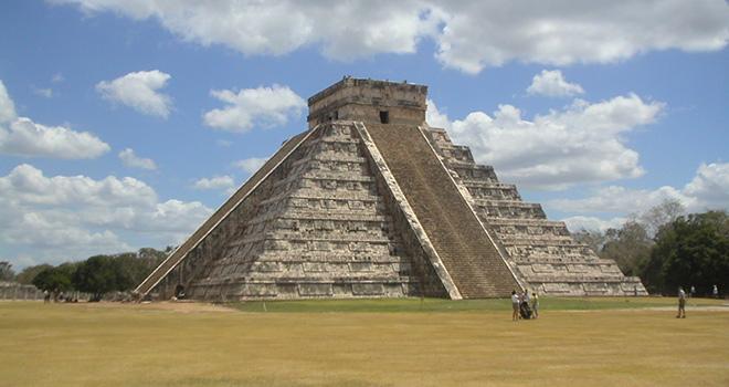 Mexico Tours - Kukulkan Pyramid - Chichen Itza