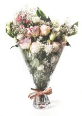 Bouquet vase with flowers