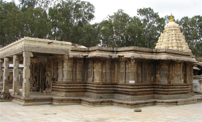 Vaidyeshvara Temple (1000 AD) at Talakad. Photographer Dinesh Kannambadi