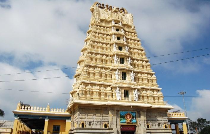 Chamundeshwari temple on Chamundi hills, mysore. Photographer Sanjay Acharya