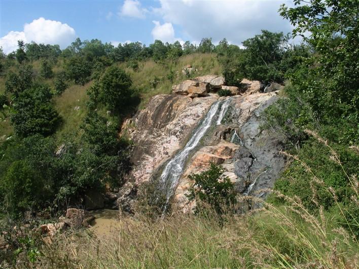 Jaramadagu Falls, Chikkaballapur – The Cascading Beauty