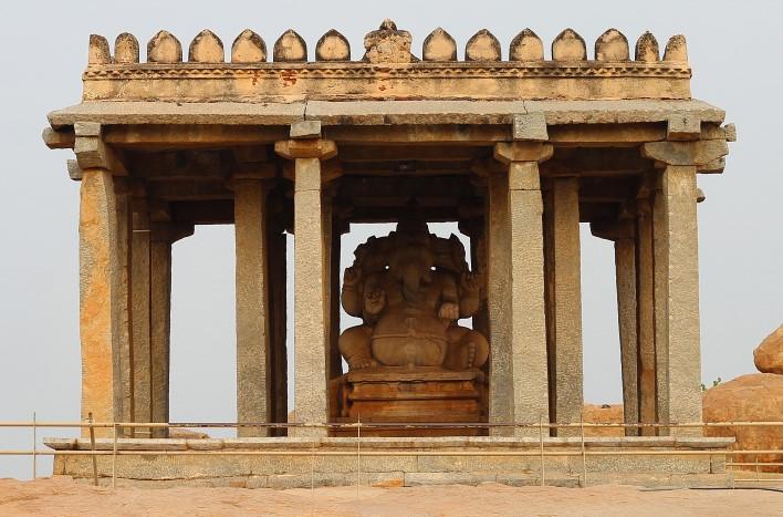 Sasivekalu Ganesha Temple, Hampi. Photographer Arun