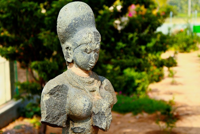 facts abut Hampi, Bust of krishnadevaraya's queen at Archaeological Museum, Kamalapur, Hampi. Image Credits @ vkiran_2000