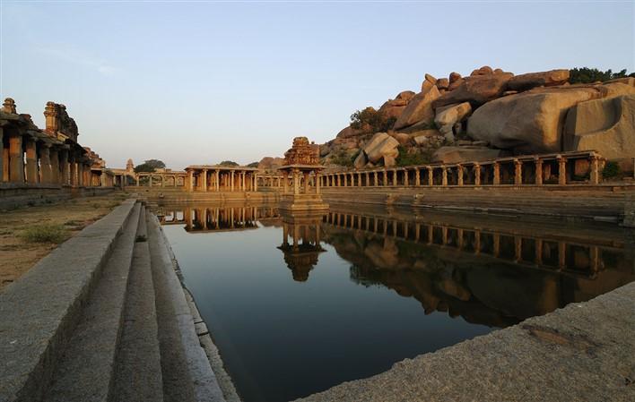 Krishna Pushkarani - Hampi Ruins. Photographer  Sandip Dey