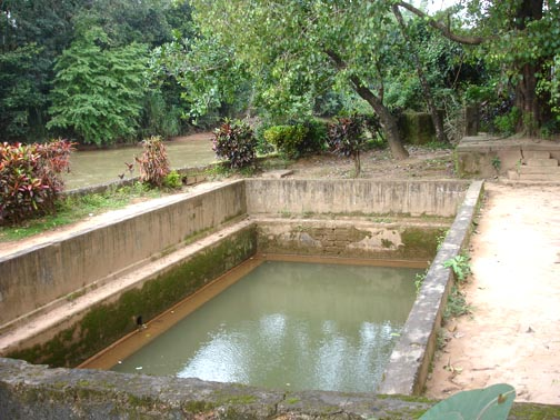 Bendru Theertha, Hot Springs, Mangalore. Image source http://geokarnataka.blogspot.in