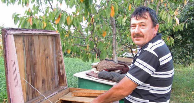 Ráczkövy József méhész