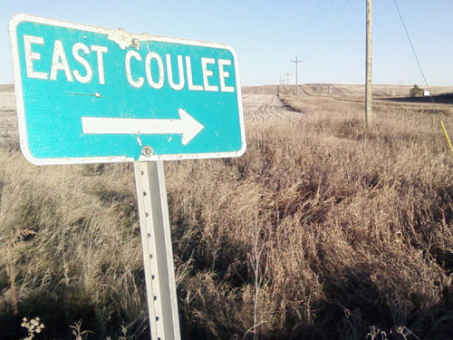Photo title: East Coulee: That Way