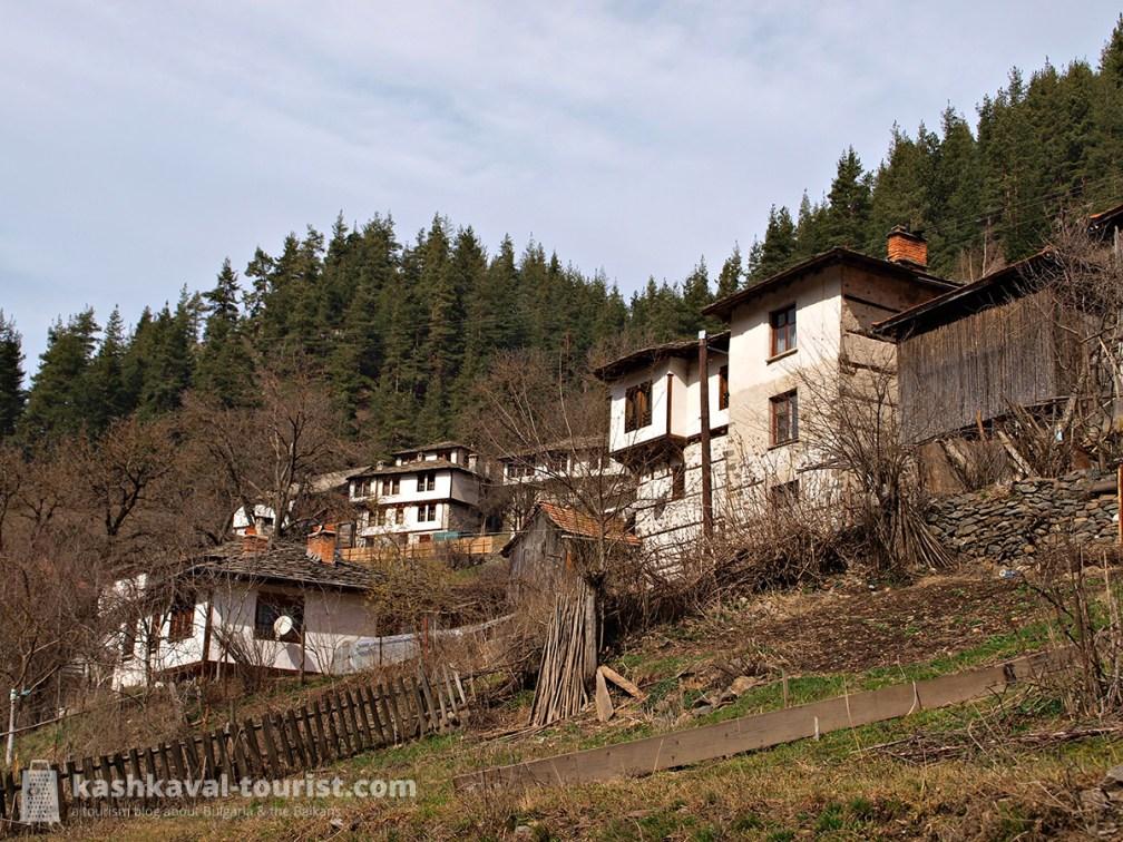 Authentic Rhodopean village: Shiroka Laka