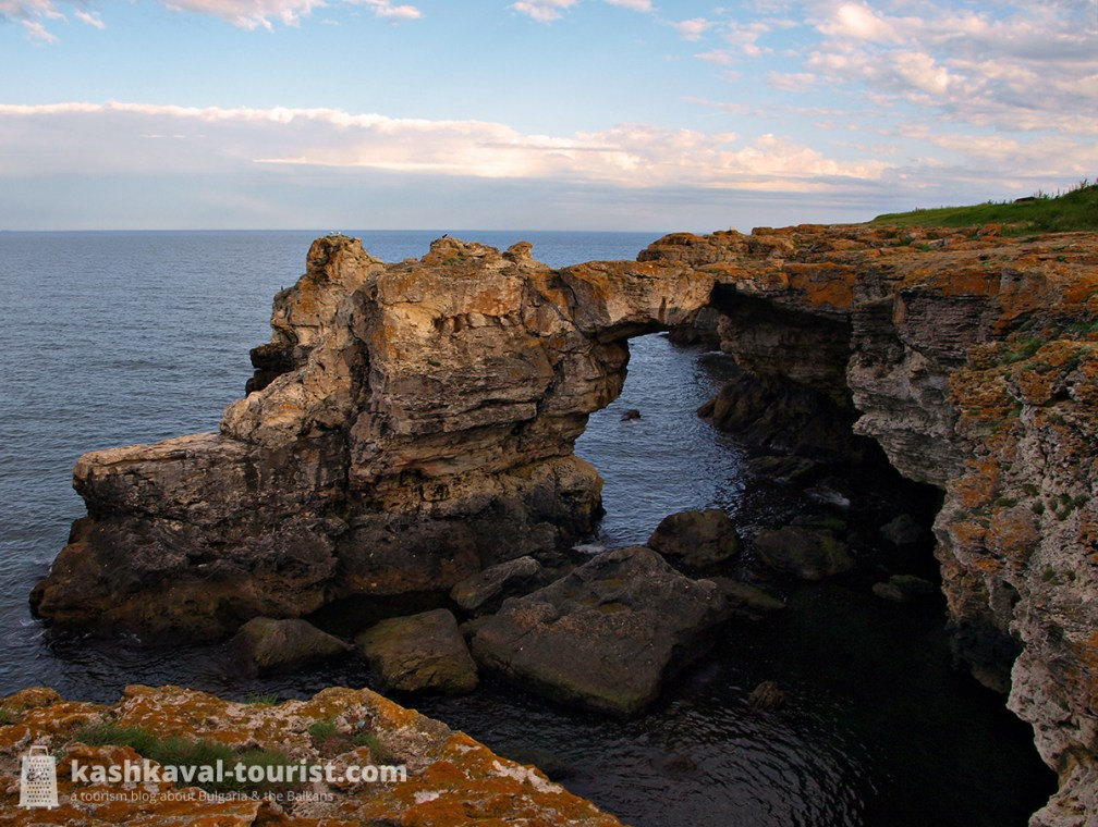 Bridge over the sea: photograph the monumental Tyulenovo Rock Arch