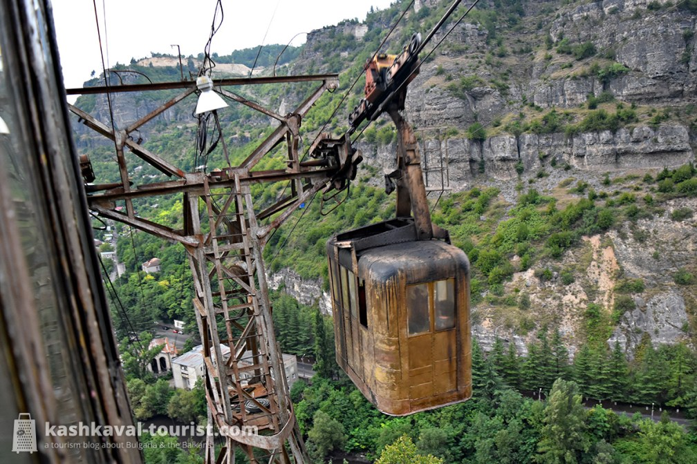 Metal coffin cable cars above a manganese mining town: Chiatura
