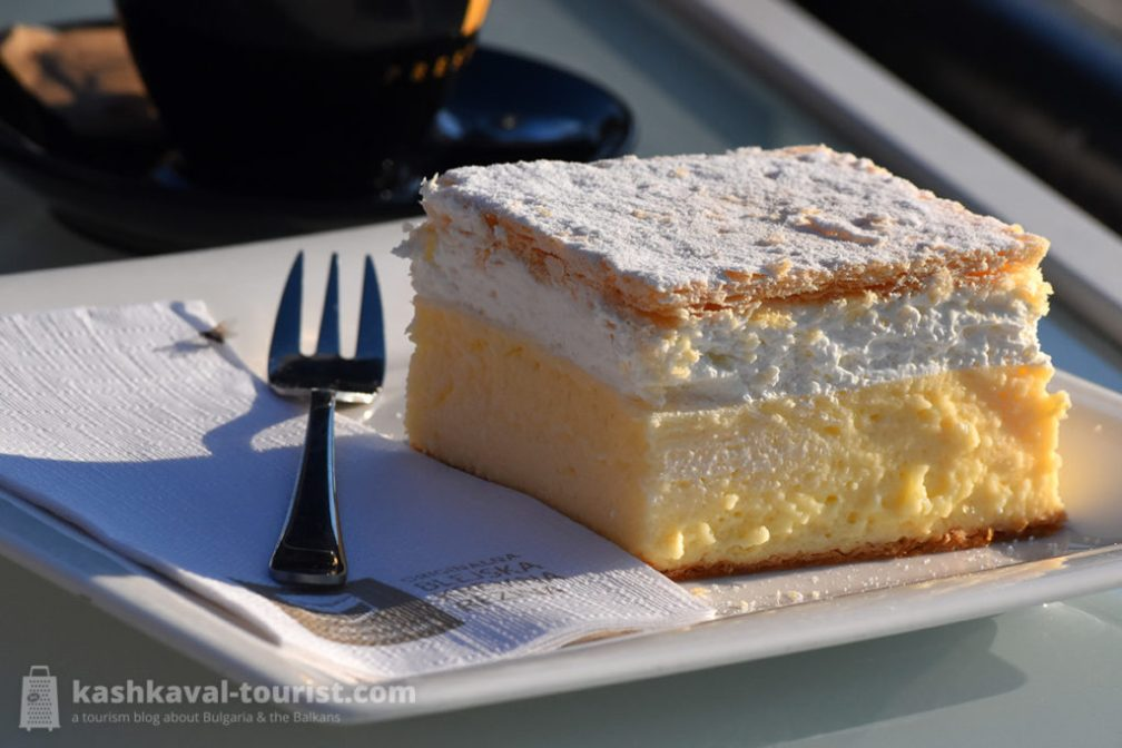 Don't miss out on the cremeschnitte cake, Bled's famous pastry!