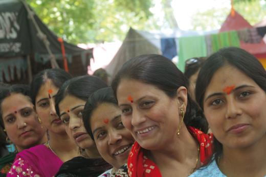 Pandit-Women-at-Kherbhawani-Tullamula