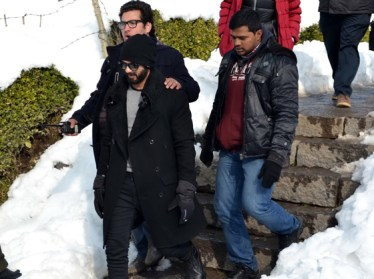 Shahid-Kapoor-during-shooting-his-film-Haider-in-South-Kashmir