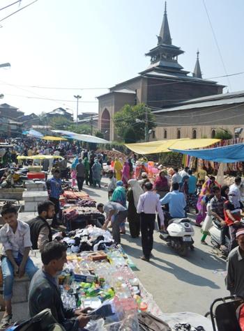 Jamia Market on Eid eve