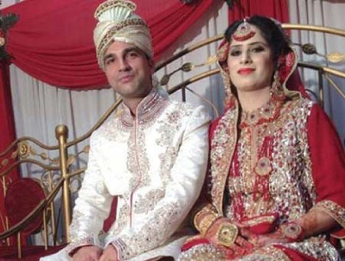 Esma Bashir of Chinari with her groom Irfan Salamabad Uri. Barely 15 Kms apart but they had to travel 1500 Kms for wedding.