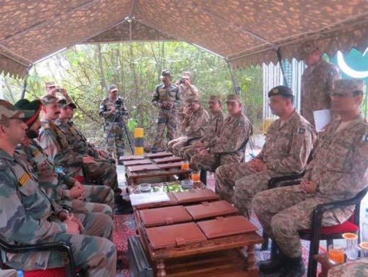 Indo-Pak-Army-Flag-Meet-@-LoC