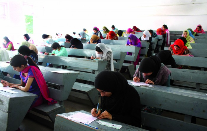 Students writing papers in Entrance Examinations to professinal colleges of Jammu and Kashmir in Srinagar on Saturday26, June 2010. photo by bilal bahadur