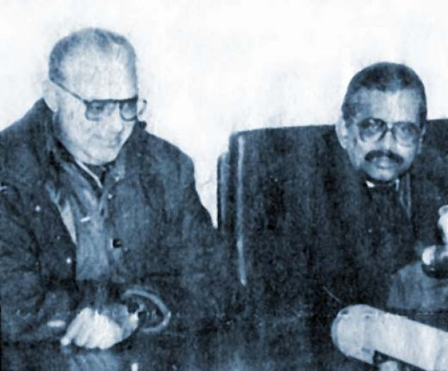 GJ Pandit, thenDG police with then J&K chief secretary Moosa Raza. Photo Courtesy: Sunday