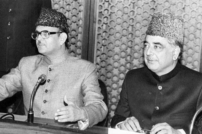 As union Home Minister, Mufti Mohammad Sayeed sitting besides the then PM of India VP Singh.
