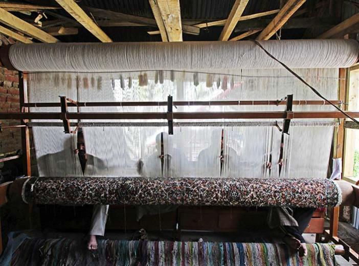 Carpet-Weaving-pattan