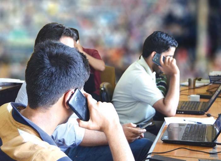 Mobile-Users-by-Malik-Kaisar-#-Kashmir-Life