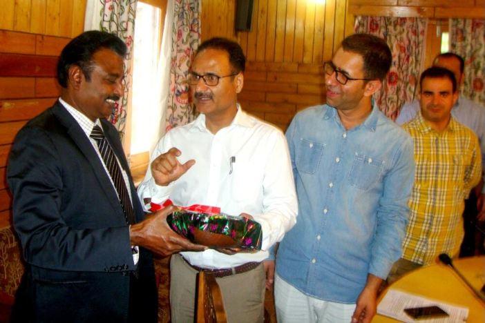 Dr Saleem ur Rehman and Dr Peer G N Suhail with Dr Natarajan in this KL file Image.