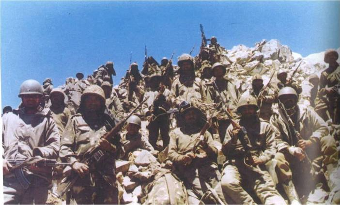 Indian soldiers in Batalik during the Kargil War.