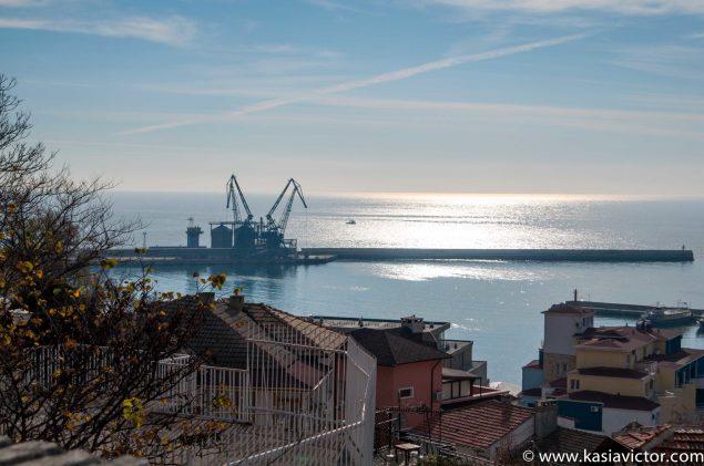 Port / Puerto