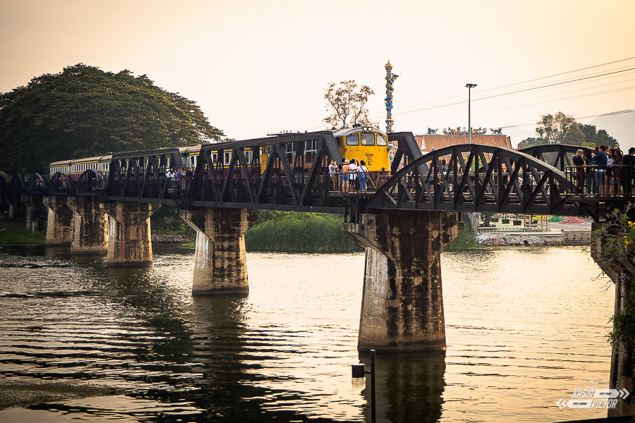 Kanchanaburi I Most Na Rzece Kwai. Miło, łatwo I Przyjemnie