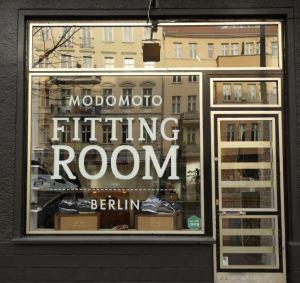 modomoto-fittingroom